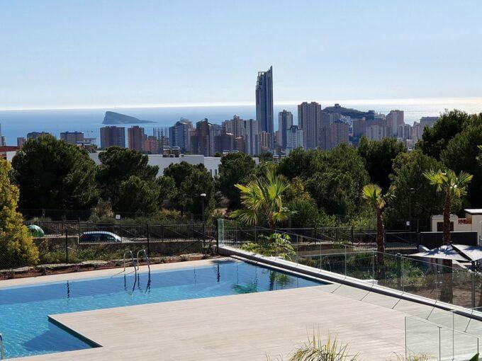 Apartamentos y áticos en Sierra Cortina, Alicante